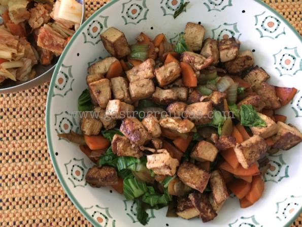 Vegetales al wok con tofú